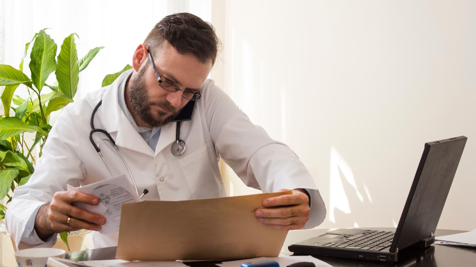 Consulta médica telefónica o videoconsulta: ¿cuál es mejor?